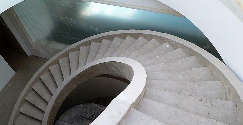 Монтаж монолитных лестниц из бетона